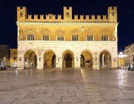 CS: Piacenza – Mamma lesbica si denuncia in Procura per falso
